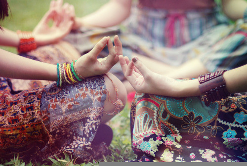 meditationmeditationcircleyogacircledresseshippies-5ea91cf603c5626ce5ed281ef84712ec_h_large